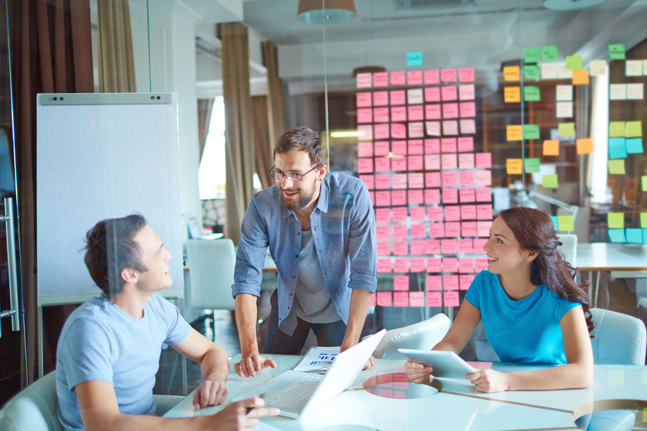 office-employee-meeting